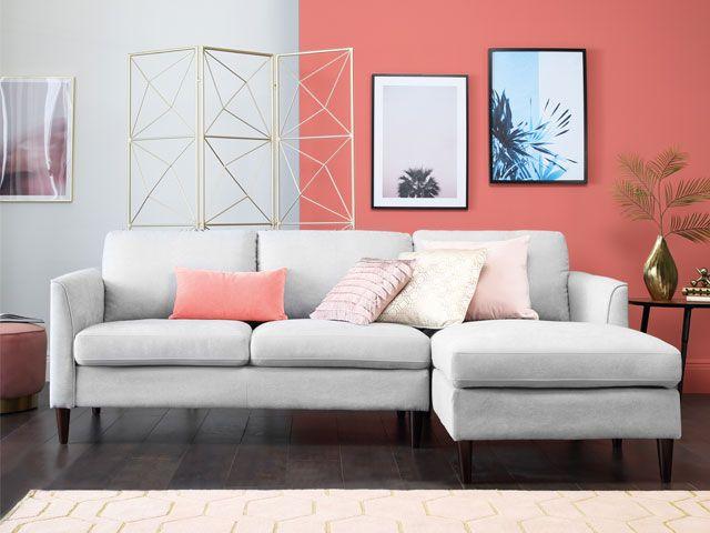Pantone Coral Room