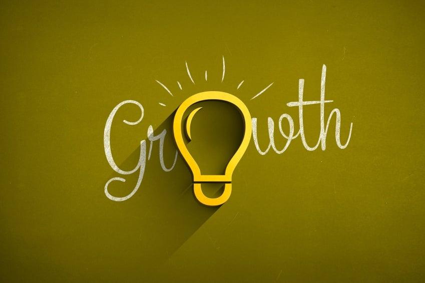 growth-hacking-lightbulb